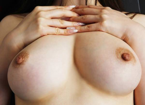 乳首 画像 0011