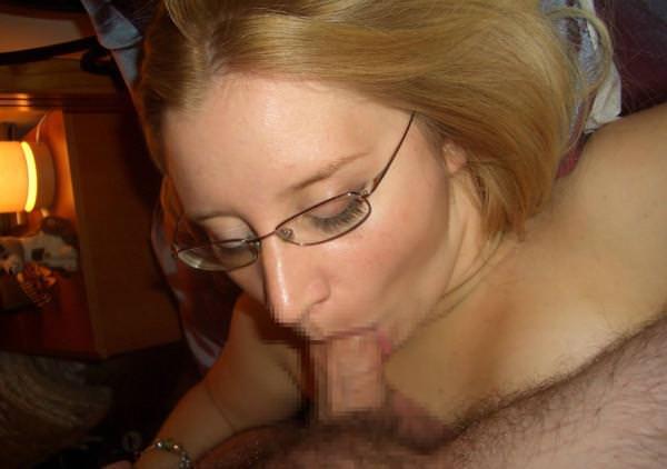 外国人美女のフェラと口内射精 36