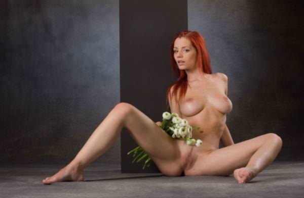 赤毛の外国人美女ヌード 32