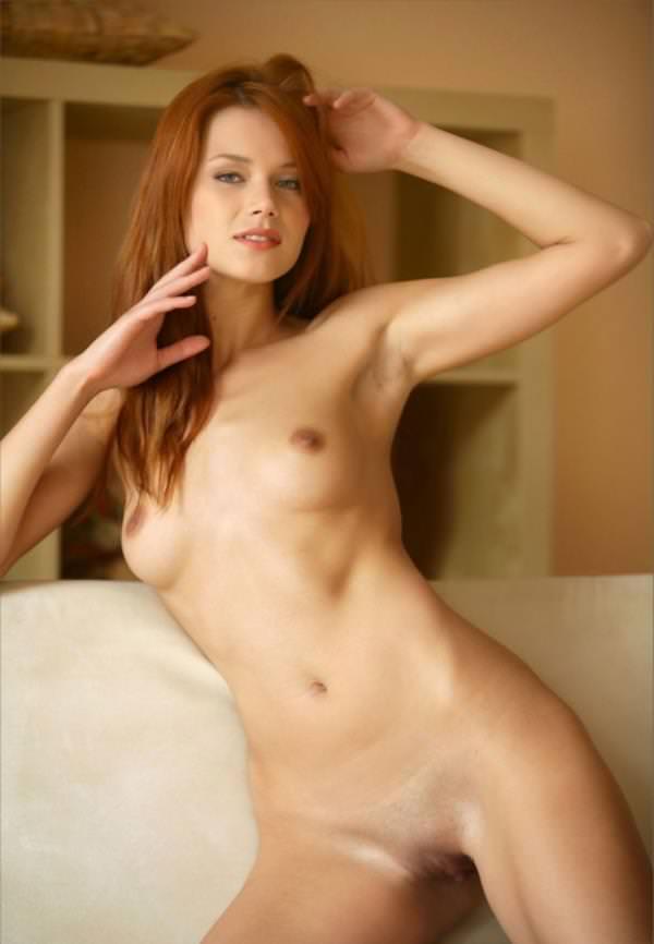 赤毛の外国人美女ヌード 36