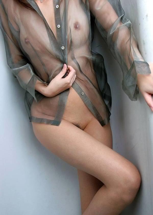 シースルー 透け乳首 画像 1
