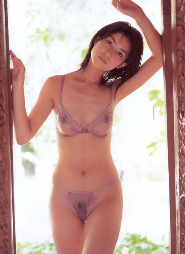 シースルー 透け乳首 画像 18