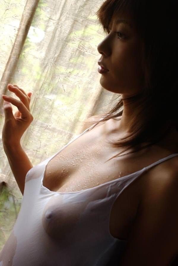 シースルー 透け乳首 画像 42