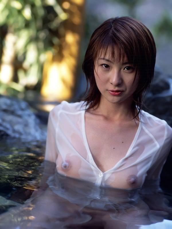 シースルー 透け乳首 画像 43