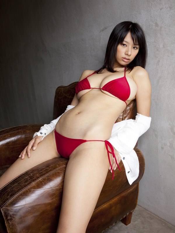 セクシー水着のハミ乳 17