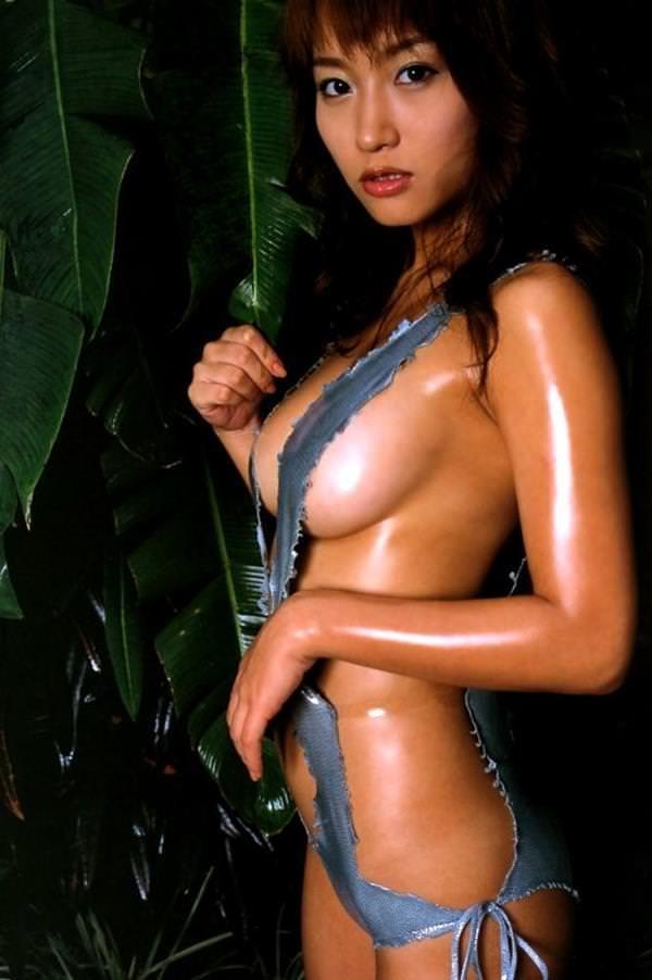 セクシー水着のハミ乳 21