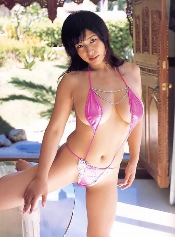 セクシー水着のハミ乳 41