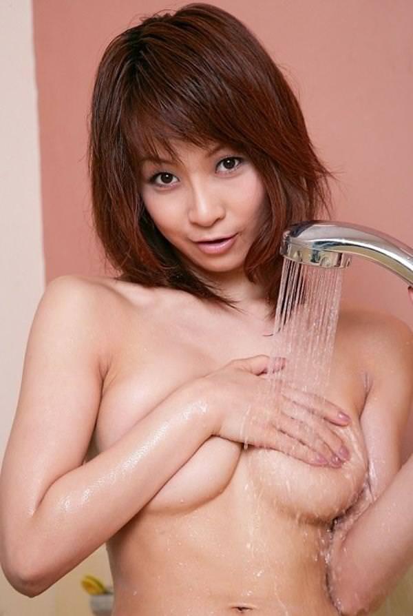 巨乳手ブラ 6