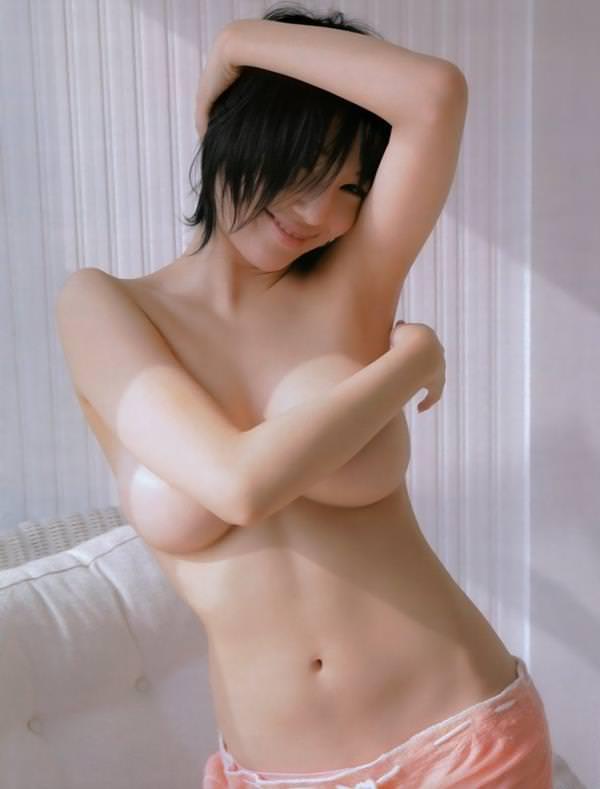巨乳手ブラ 44