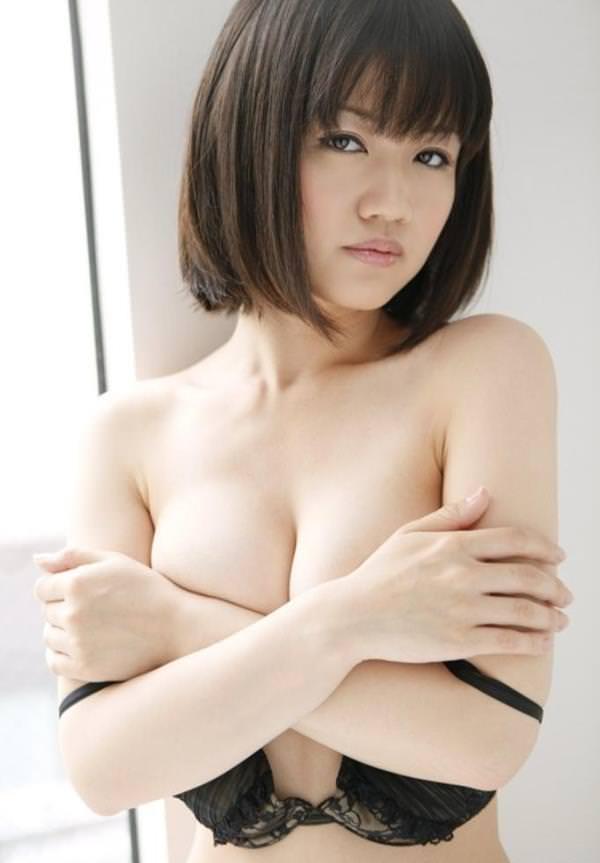 巨乳手ブラ 62