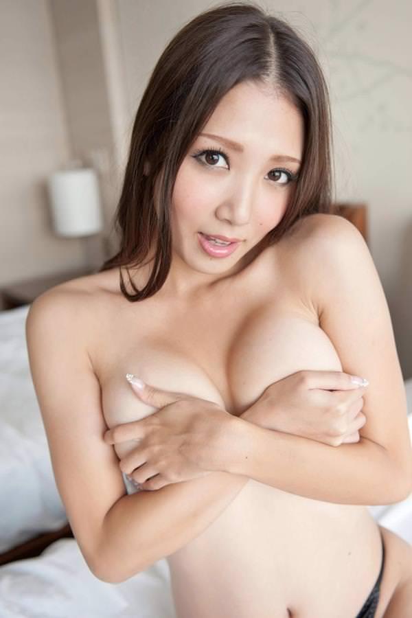 巨乳手ブラ 56