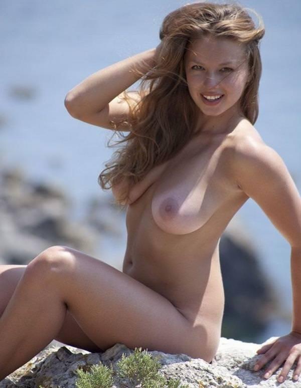 外国人美女の日焼けあと 27