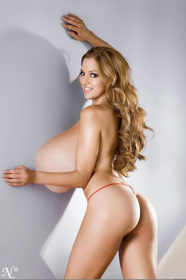 超乳の外国人女性 4