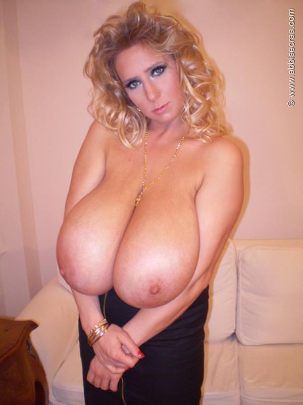 超乳の外国人女性 15