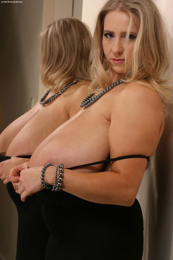 超乳の外国人女性 56