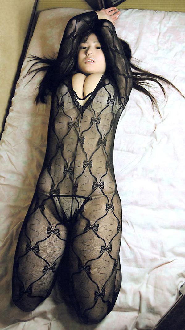 網タイツ着の美脚 13