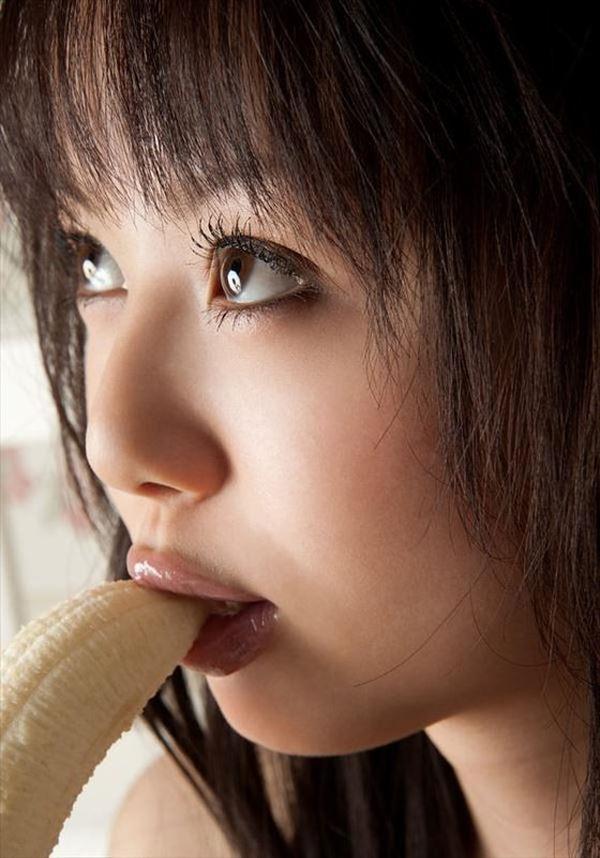 バナナで擬似フェラ 3