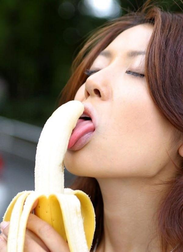 バナナで擬似フェラ 7