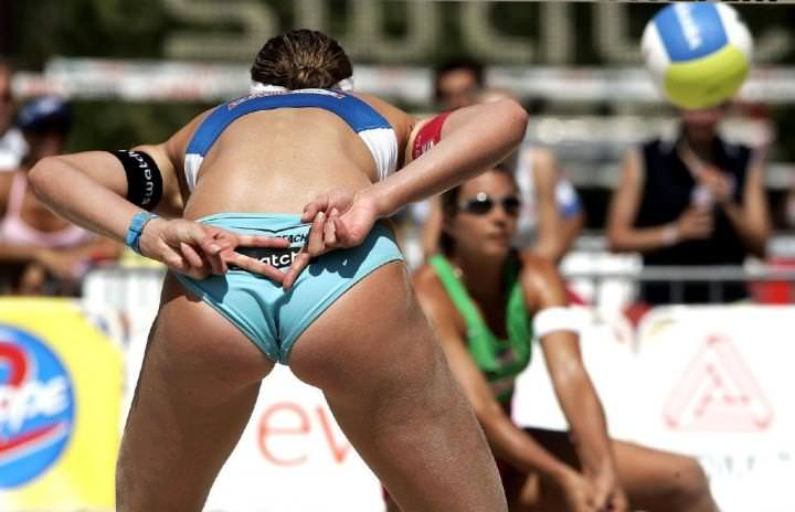 エロい体した女子ビーチバレー選手 31