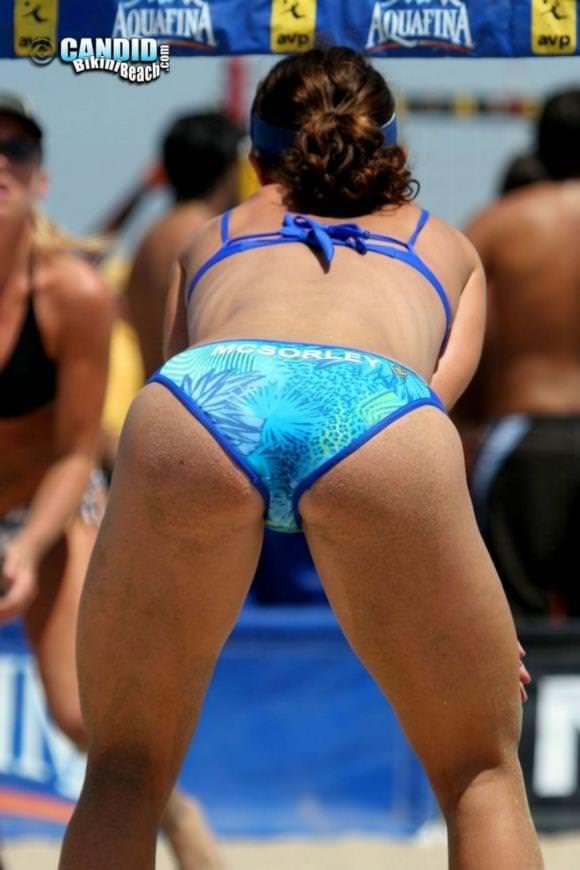 エロい体した女子ビーチバレー選手 35