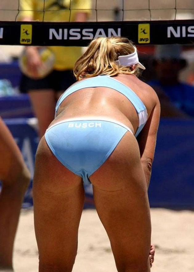 エロい体した女子ビーチバレー選手 39