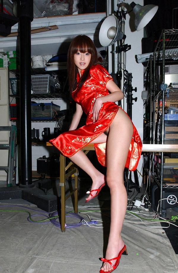 チャイナドレスの美脚 10