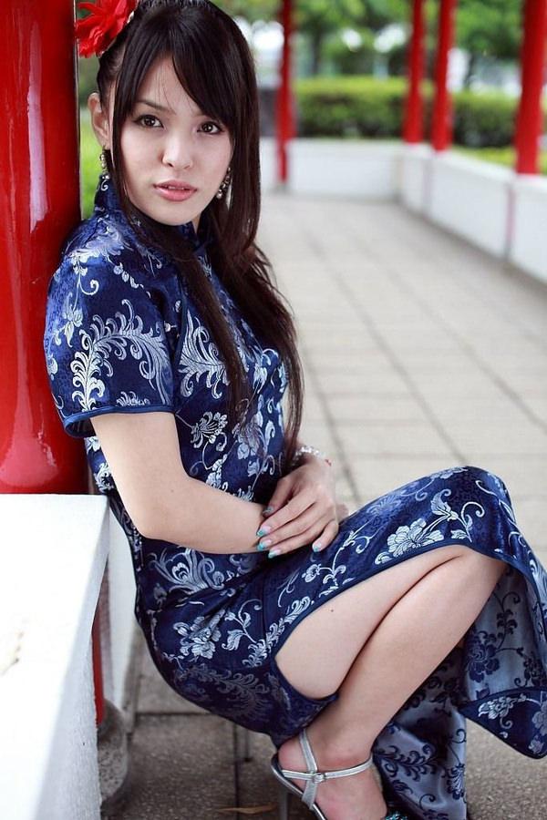 チャイナドレスの美脚 14