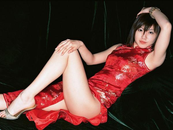 チャイナドレスの美脚 16
