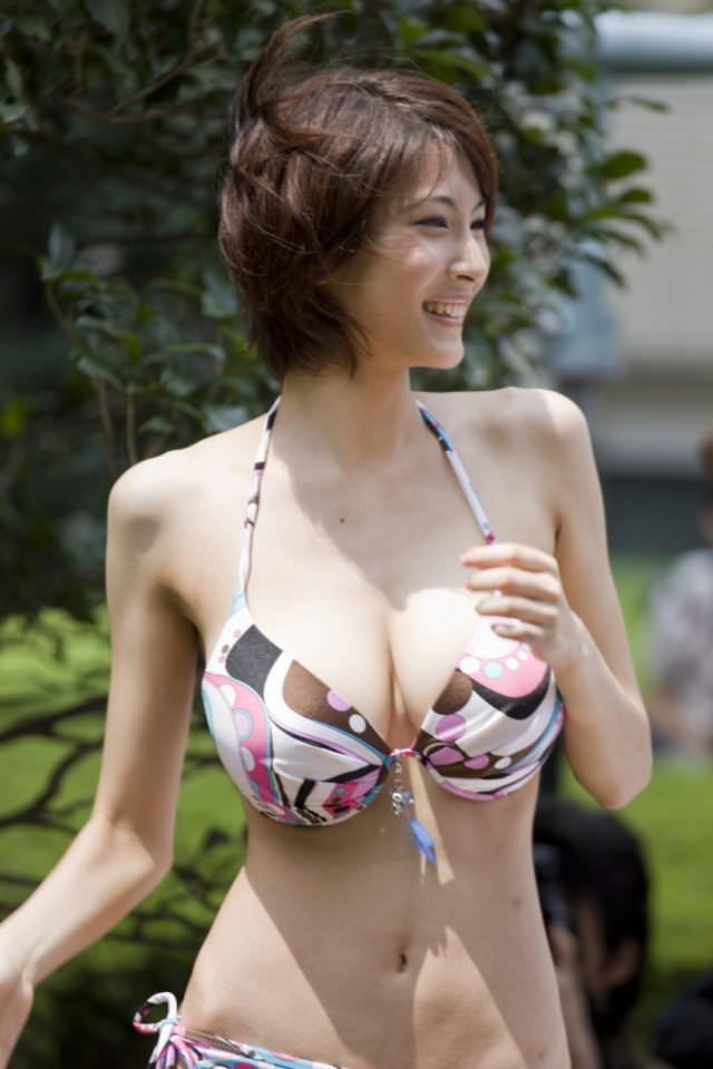 巨乳美少女 19