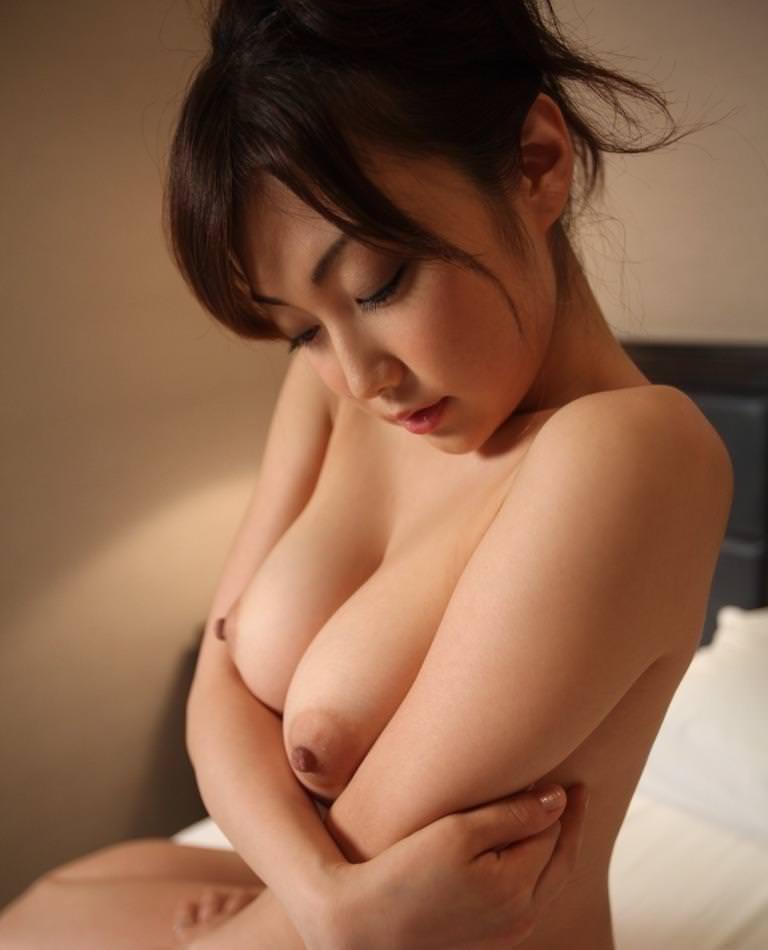 勃起乳首 14