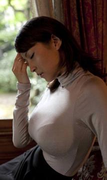 巨乳の着衣おっぱい 5