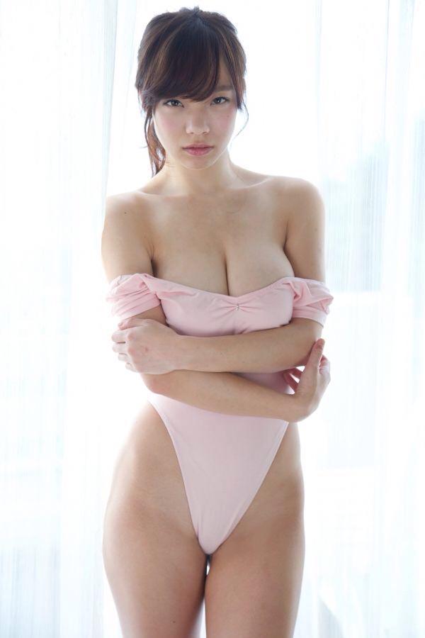 ちょいブスで軟乳の女の子 29