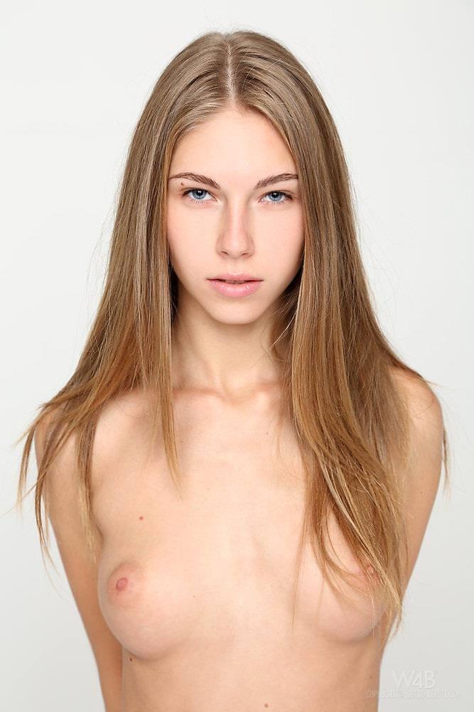 超美乳の外国人美女 32