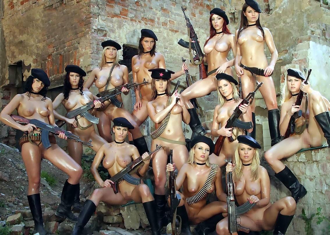 外国人美女の軍服姿