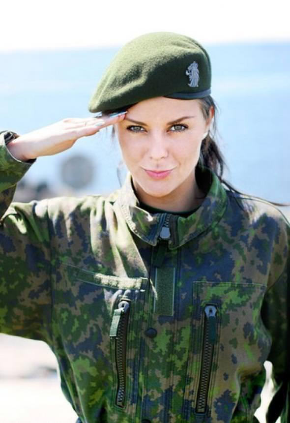 外国人美女の軍服姿 19