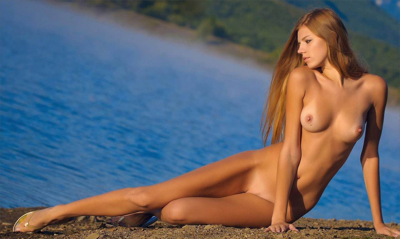 美しいくびれの外国人ヌード 28