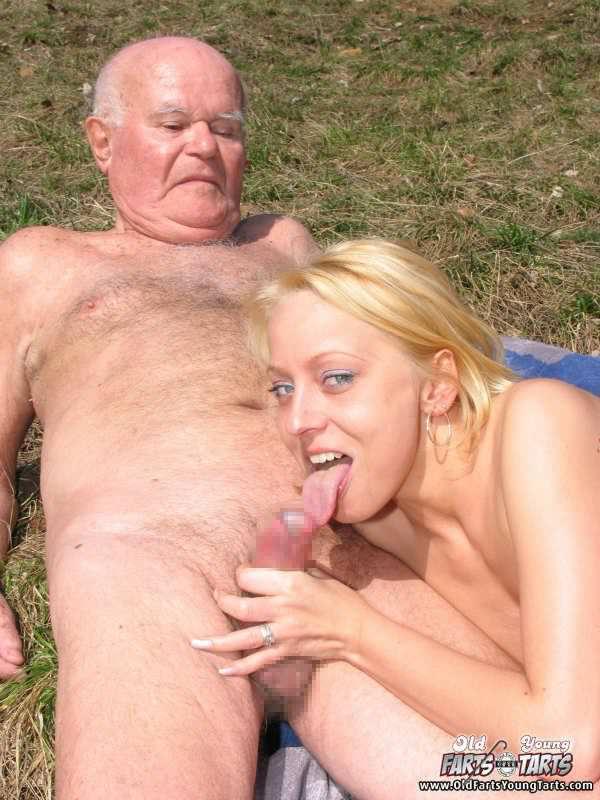 外国人美少女と老人のセックス 9