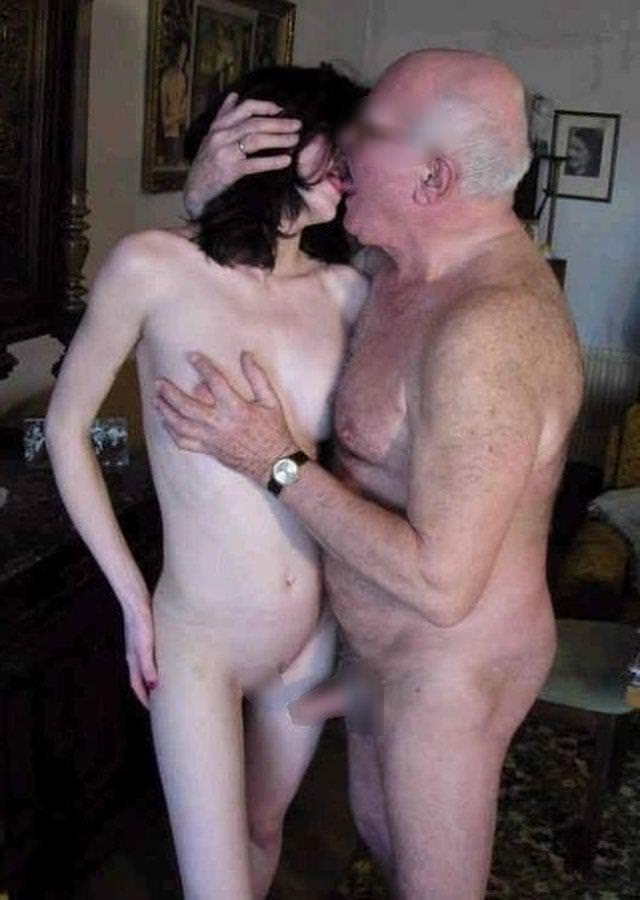 外国人美少女と老人のセックス 12