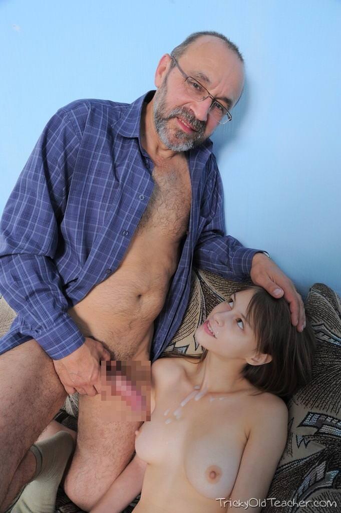 外国人美少女と老人のセックス 17