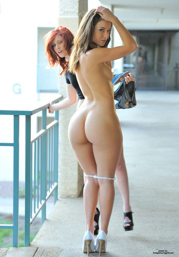 外国人美女の程よい大きさの美尻 36