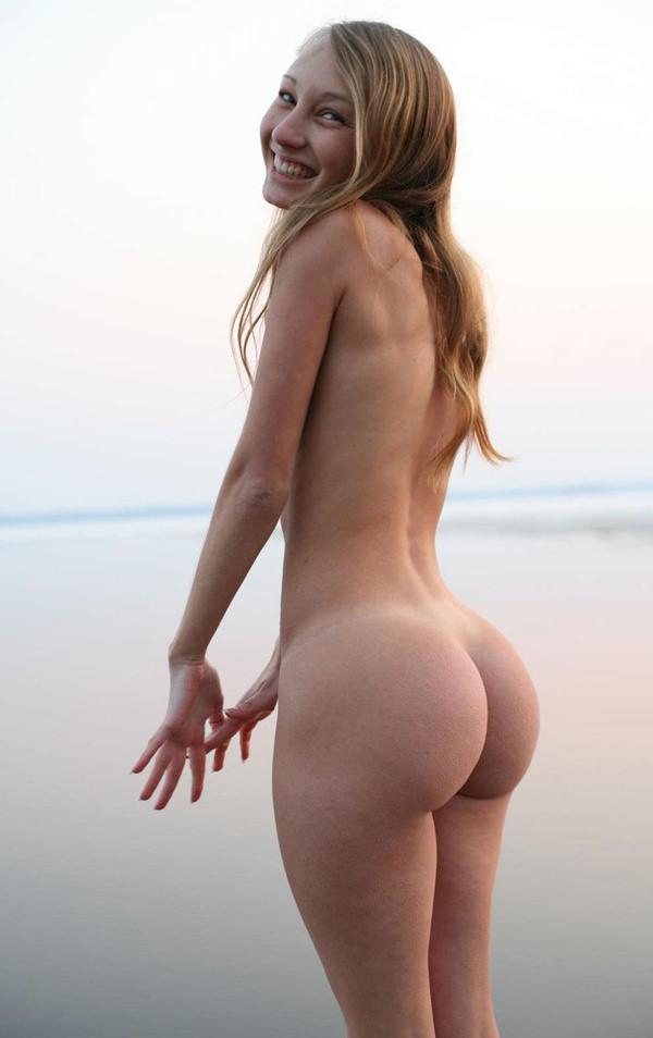 外国人美女の程よい大きさの美尻 41