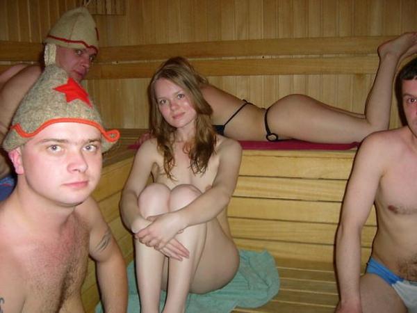サウナ浴中の外国人美女ヌード 14
