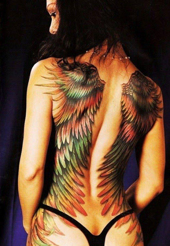 全身タトゥーの外国人美女 19