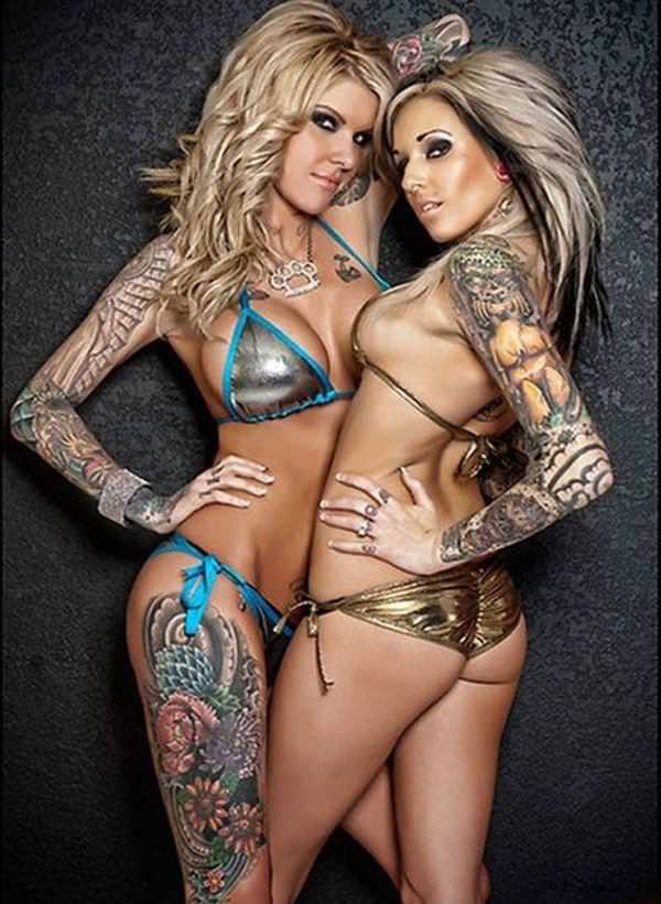 全身タトゥーの外国人美女 35