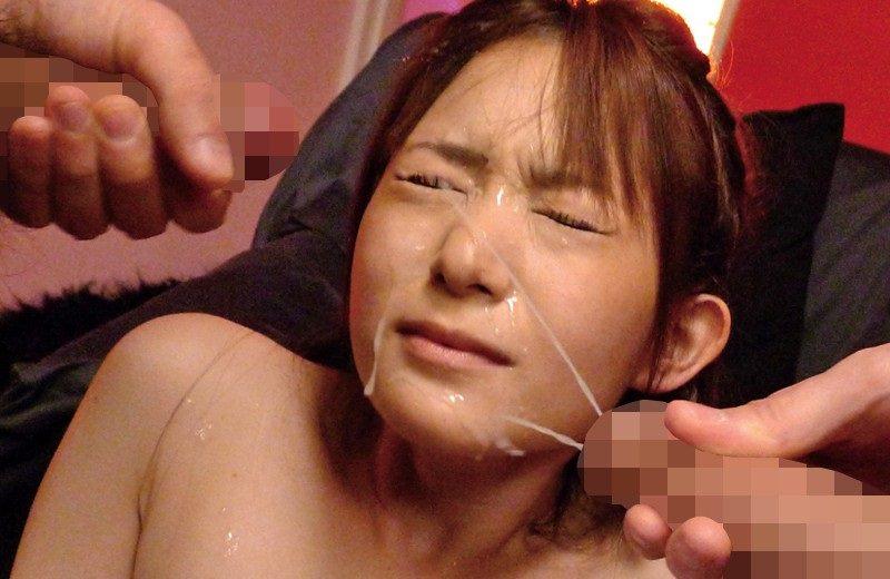 顔射されザーメンまみれの顔 23