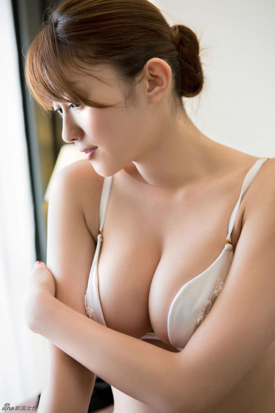 極上の美乳 14