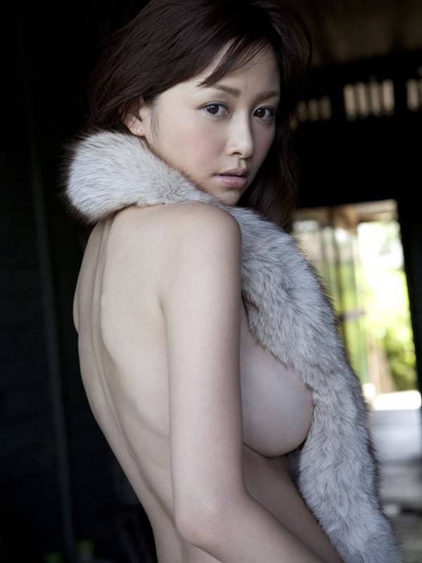 ハミ乳衣装着た女の子 5