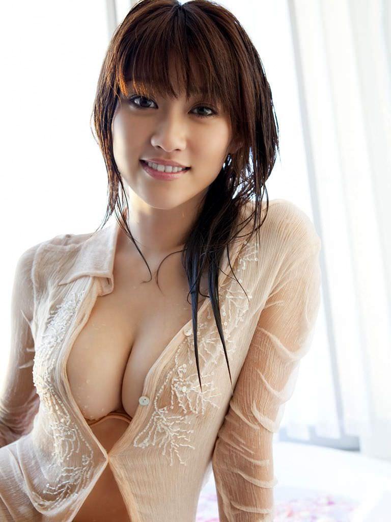 ハミ乳衣装着た女の子 25