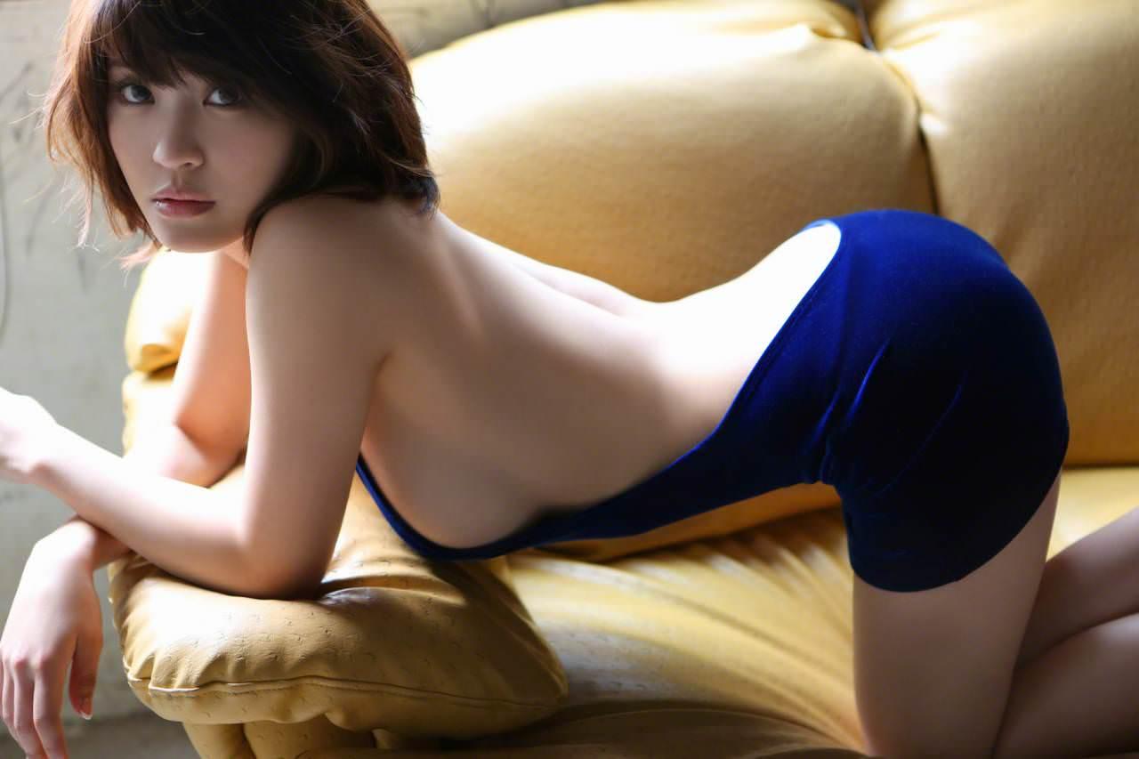 ハミ乳衣装着た女の子 26