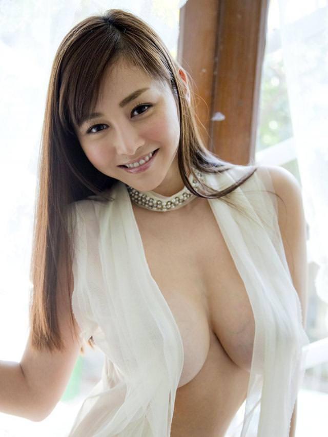 ハミ乳衣装着た女の子 39